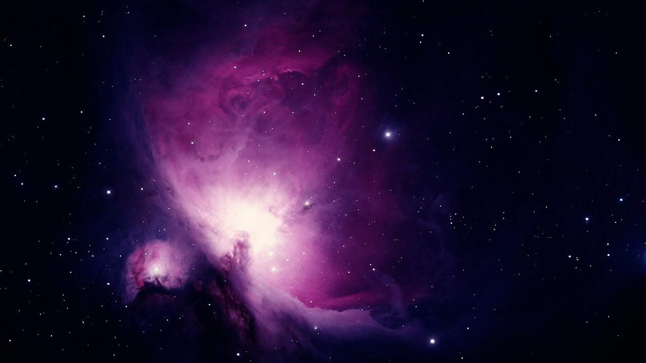 Astrophoto of the Orion Nebula in pink / purple