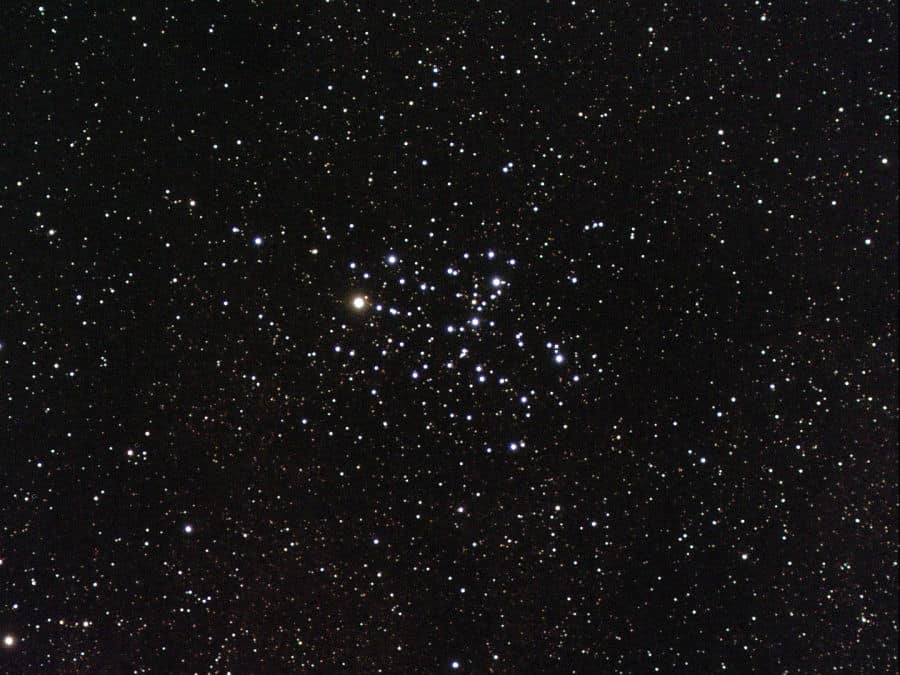 The bright stars of the butterfly cluster, M6